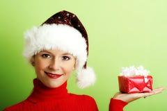 όμορφη γυναίκα δώρων Στοκ εικόνα με δικαίωμα ελεύθερης χρήσης