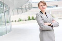 όμορφη γυναίκα επιχειρησ& Στοκ εικόνα με δικαίωμα ελεύθερης χρήσης