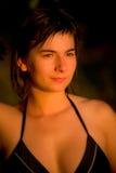 όμορφη γυναίκα ηλιοβασι&la Στοκ Εικόνες