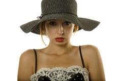 όμορφη γυναίκα καπέλων Στοκ φωτογραφίες με δικαίωμα ελεύθερης χρήσης
