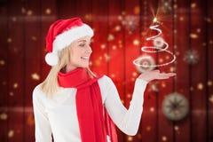 Όμορφη γυναίκα καπέλων santa Στοκ φωτογραφίες με δικαίωμα ελεύθερης χρήσης