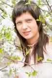 όμορφη γυναίκα λουλουδιών στοκ φωτογραφίες