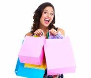 Όμορφη γυναίκα με μια τσάντα αγορών. Στοκ Εικόνα