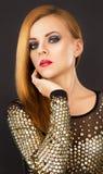 Όμορφη γυναίκα με την πολυτέλεια makeup Στοκ Εικόνα