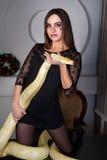 Όμορφη γυναίκα με το python Στοκ Εικόνα