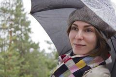 όμορφη γυναίκα ομπρελών Στοκ Εικόνα