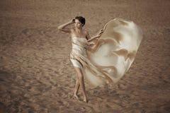 όμορφη γυναίκα παραλιών στοκ εικόνες
