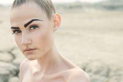 όμορφη γυναίκα πορτρέτου μόδας Στοκ Εικόνες