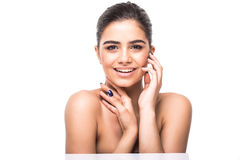 όμορφη γυναίκα προσώπου Τέλειο οδοντωτό χαμόγελο Καυκάσιο στενό επάνω πορτρέτο νέων κοριτσιών χείλια, δέρμα, δόντια που απομονώνο Στοκ Φωτογραφία