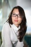 Όμορφη γυναίκα στα γυαλιά Στοκ Εικόνες