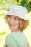 όμορφη γυναίκα στηριγμάτων στοκ φωτογραφίες με δικαίωμα ελεύθερης χρήσης