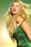 Όμορφη γυναίκα στον ήλιο Στοκ Εικόνες