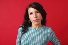 όμορφη γυναίκα τζιν παντε&lamb Στοκ φωτογραφία με δικαίωμα ελεύθερης χρήσης