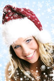 όμορφη γυναίκα Χριστουγέ&nu Στοκ Εικόνες