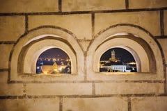 Όμορφη εικονική παράσταση πόλης νύχτας Cesky Krumlov, τσεχικά Στοκ Εικόνα