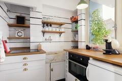 Όμορφη εκλεκτής ποιότητας κουζίνα ύφους στοκ φωτογραφίες