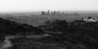 Όμορφη ελαφριά αστική μητρόπολη οριζόντων πόλεων του Λος Άντζελες στο κέντρο της πόλης στοκ φωτογραφία