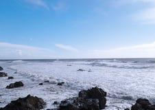 Όμορφη ελαφριά παραλία στο Οπόρτο στοκ εικόνα