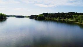 Όμορφη εναέρια άποψη λιμνών φιλμ μικρού μήκους