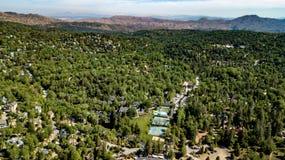 Όμορφη, εναέρια άποψη του συνεδριακού κέντρου UCLA Arrowhead λιμνών στο SAN Bernardino Mountains Στοκ εικόνες με δικαίωμα ελεύθερης χρήσης