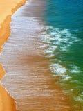 Όμορφη εναέρια άποψη του ωκεανού και της παραλίας σε Albufeira στην Πορτογαλία στοκ φωτογραφία με δικαίωμα ελεύθερης χρήσης