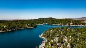 Όμορφη, εναέρια άποψη Arrowhead λιμνών στο SAN Bernardino Mountains Στοκ εικόνες με δικαίωμα ελεύθερης χρήσης