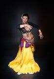 Όμορφη εξωτική γυναίκα χορευτών κοιλιών φυλετική στοκ φωτογραφία με δικαίωμα ελεύθερης χρήσης