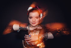 Όμορφη εξωτική γυναίκα χορευτών κοιλιών φυλετική στοκ φωτογραφίες με δικαίωμα ελεύθερης χρήσης