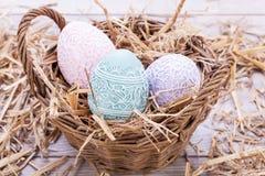 Όμορφη εποχιακή κρητιδογραφία αυγών διακοσμήσεων αυγών Πάσχας colorfull Στοκ Εικόνες