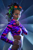 Όμορφη λεπτή τοποθέτηση γυναικών με το νέο makeup Στοκ Φωτογραφία