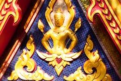 Όμορφη λεπτομέρεια χερουβείμ ασβεστοκονιάματος με το χρυσό όστρακο φύλλων Στοκ Εικόνες