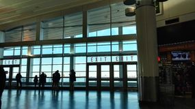 όμορφη εσωτερική αναμονή δωματίων αερολιμένων Στοκ Εικόνες