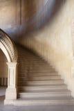 όμορφη εσωτερική μαρμάρινη σκάλα ντεκόρ Στοκ Εικόνες