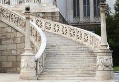 όμορφη εσωτερική μαρμάρινη σκάλα ντεκόρ Στοκ Εικόνα