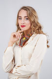 όμορφη λευκή γυναίκα πορτρέτου ανασκόπησης Στοκ φωτογραφίες με δικαίωμα ελεύθερης χρήσης