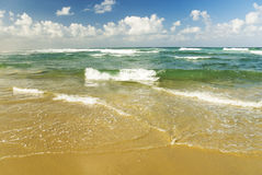 όμορφη θάλασσα παραλιών τροπική Στοκ εικόνες με δικαίωμα ελεύθερης χρήσης