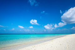 όμορφη θάλασσα παραλιών τροπική Στοκ φωτογραφία με δικαίωμα ελεύθερης χρήσης