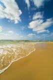 όμορφη θάλασσα παραλιών τροπική Στοκ Φωτογραφίες