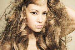 όμορφη θαυμάσια γυναίκα τ&rh Στοκ Εικόνα
