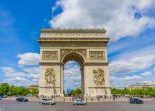 Όμορφη θερινή άποψη Champs Elysees και τόξο de Στοκ φωτογραφίες με δικαίωμα ελεύθερης χρήσης