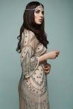 Όμορφη ινδική νέα γυναίκα brunette ύφους Στοκ Εικόνες