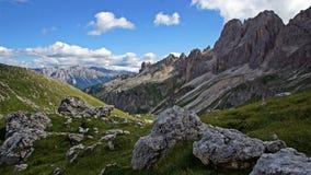 Όμορφη Ιταλία: Άποψη δολομιτών στοκ εικόνα με δικαίωμα ελεύθερης χρήσης