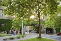 Όμορφη και ιστορική παλαιά οδός της Ζυρίχης Στοκ εικόνες με δικαίωμα ελεύθερης χρήσης