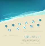 όμορφη κενή θερινή πετοσφαίριση παραλιών σφαιρών ανασκόπησης Στοκ Φωτογραφία