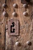 Όμορφη κλειδαρότρυπα στην αρχαία μαροκινή πόρτα στοκ εικόνα