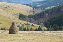 όμορφη κοιλάδα βουνών στοκ φωτογραφία με δικαίωμα ελεύθερης χρήσης