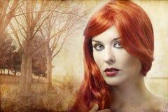 Όμορφη κοκκινομάλλης γυναίκα, αναγέννηση στοκ εικόνες