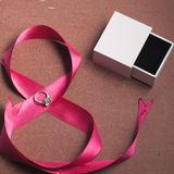 Όμορφη κορδέλλα με το δαχτυλίδι Στοκ φωτογραφίες με δικαίωμα ελεύθερης χρήσης