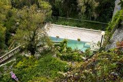 όμορφη κολύμβηση λιμνών κήπω στοκ φωτογραφίες με δικαίωμα ελεύθερης χρήσης
