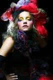 Όμορφη κυρία με την καλλιτεχνική σύνθεση στοκ φωτογραφία με δικαίωμα ελεύθερης χρήσης